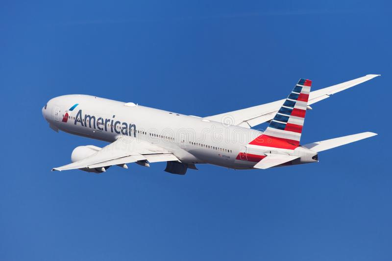 American Airlines Boeing 777-200ER bankrörelsen royaltyfri bild