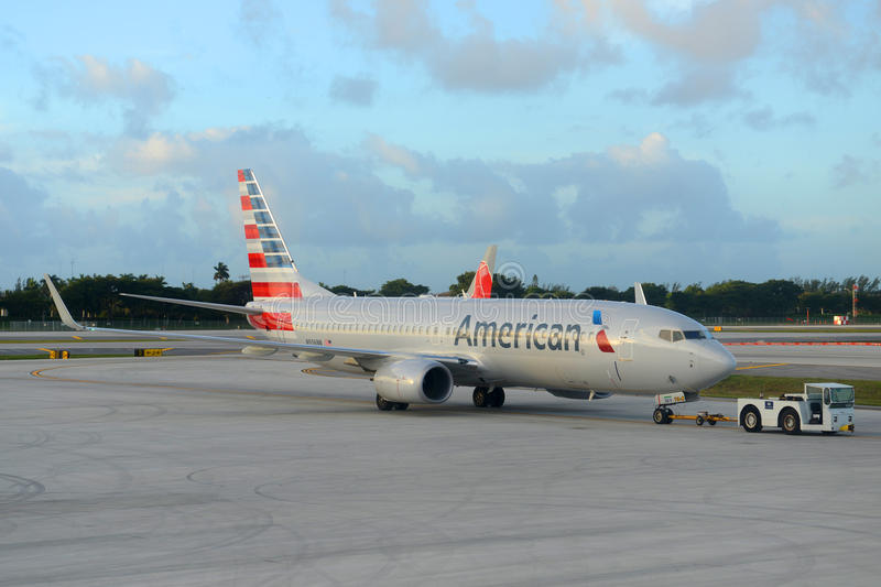 American airlines boeing 737 at ft lauderdale airport editorial download american airlines boeing 737 at ft lauderdale airport editorial photo image of city publicscrutiny Gallery