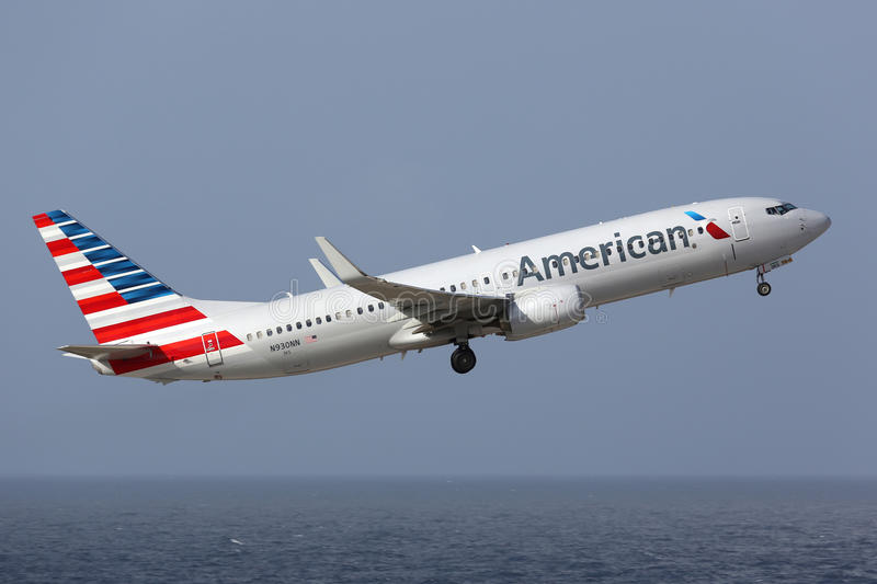 American Airlines Boeing 737-800 in new livery royalty free stock photography