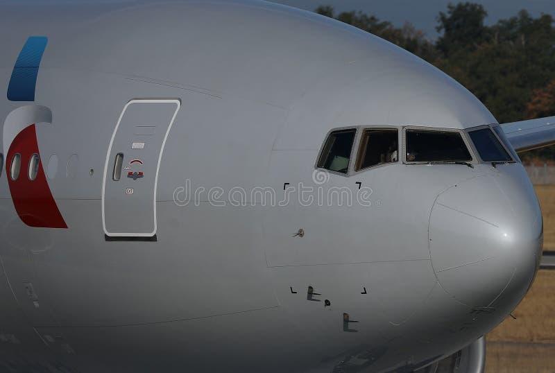 American Airlines décollant de l'aéroport de Francfort, FRA, vue en gros plan photos stock