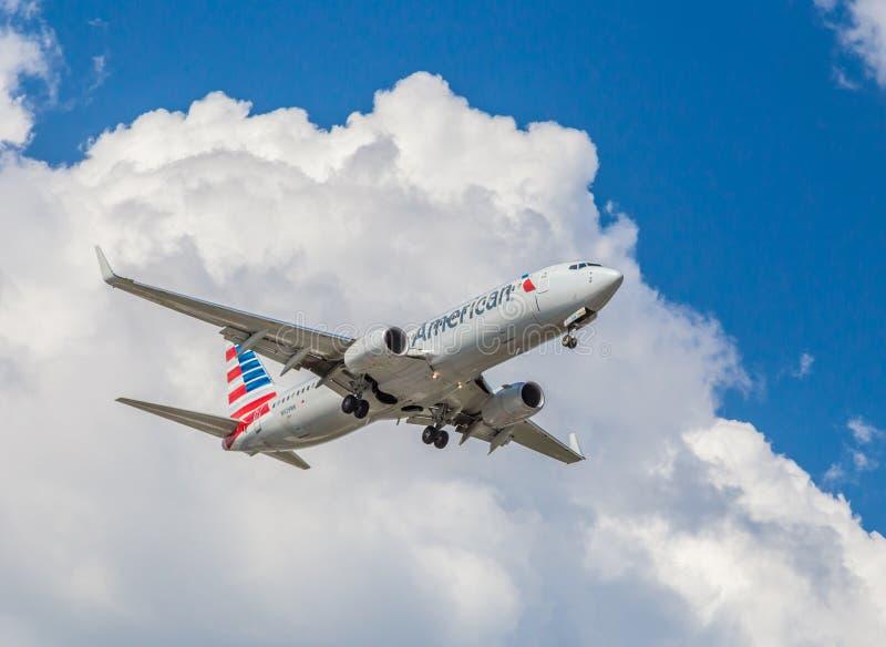 American Airlines-Lijnvliegtuig stock afbeelding