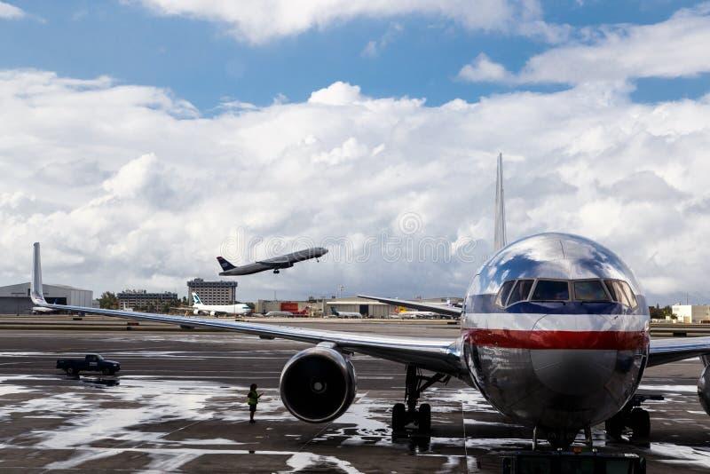 American- Airlinesflugzeug lizenzfreies stockbild
