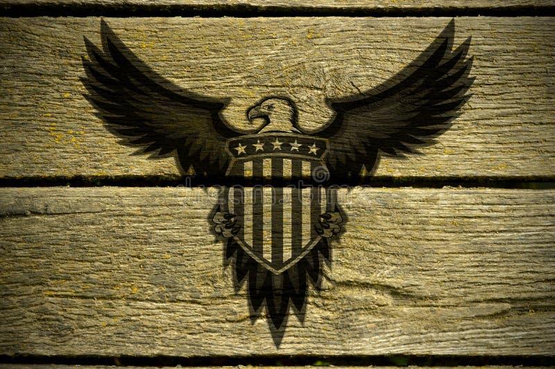 American Eagle se convoca en los tableros de madera foto de archivo