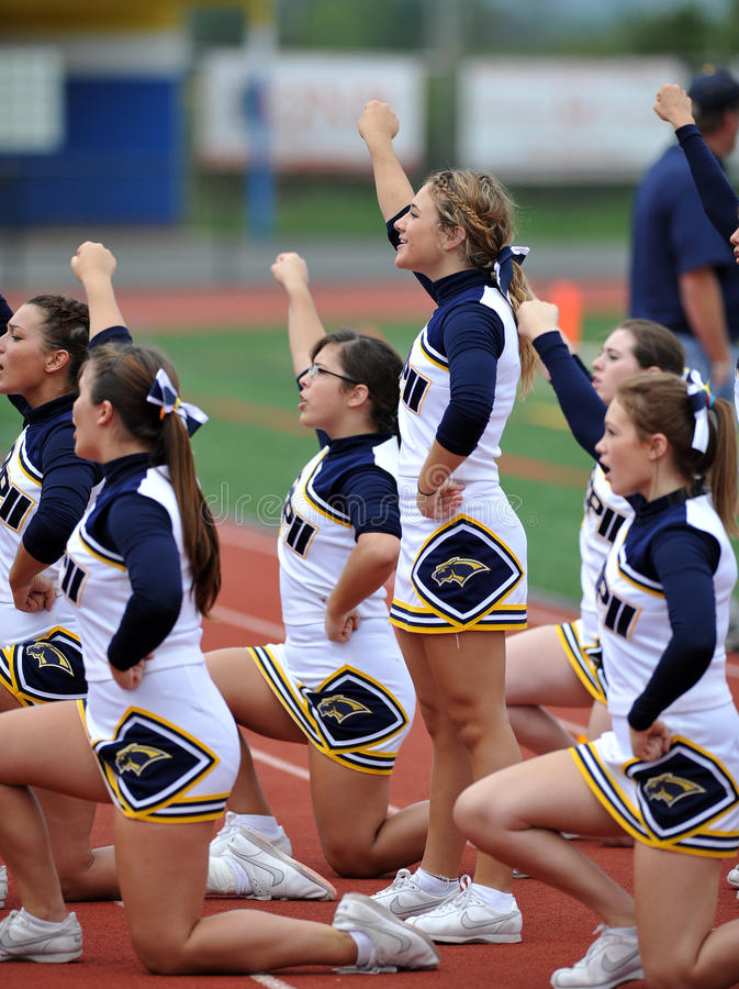 Download American Football Cheerleaders - High School Editorial Photography - Image of entertain, school: 21304372