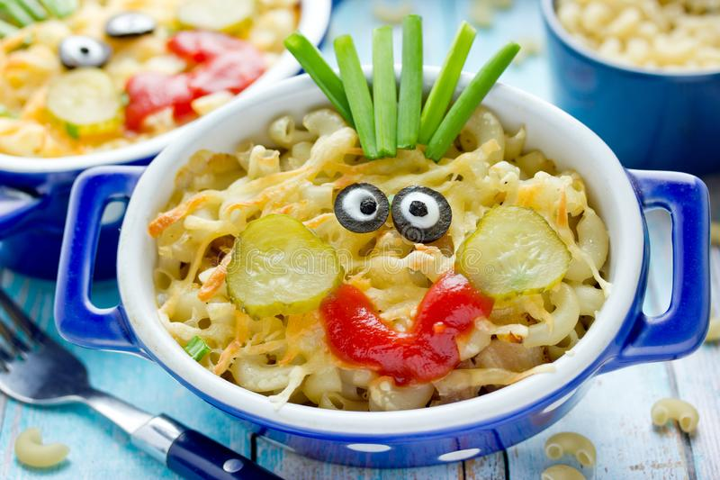 American mac and cheese macaroni pasta baked with cheesy sauce for kids stock photo