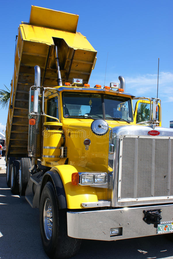 Download American tipper truck editorial stock image. Image of beach - 23726614