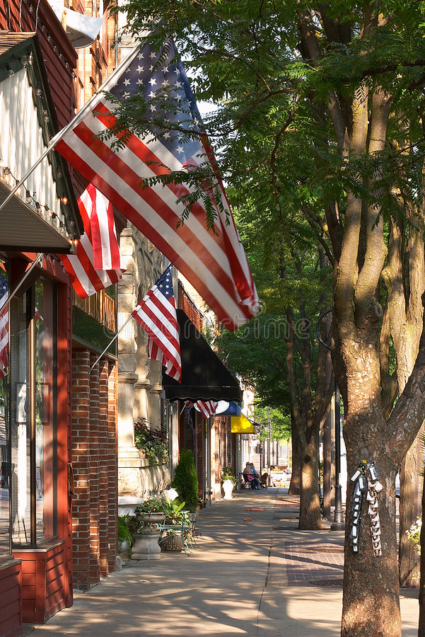 American Town. Historic shopping district of Naperville, Illinois, where friends and neighbors meet to shop, dine and enjoy the area