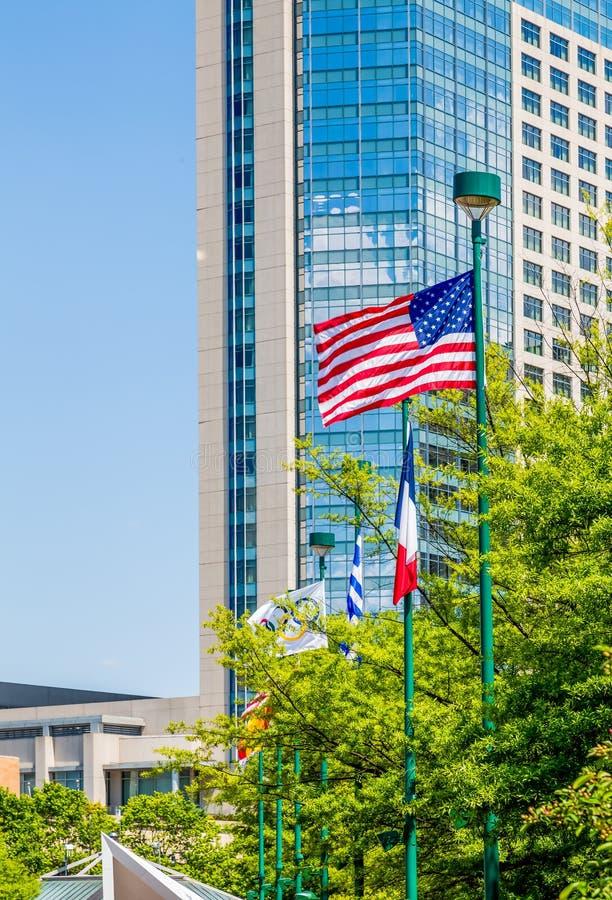 Americano dall'hotel di vetro blu fotografie stock libere da diritti