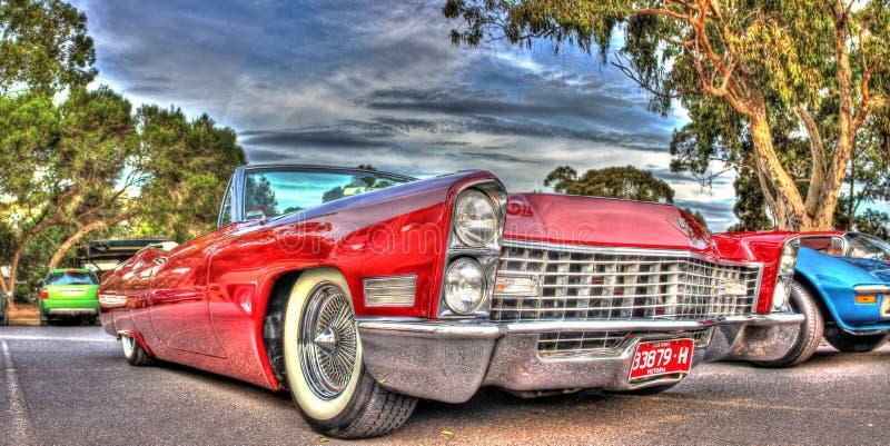 Americano vermelho clássico Cadillac imagens de stock