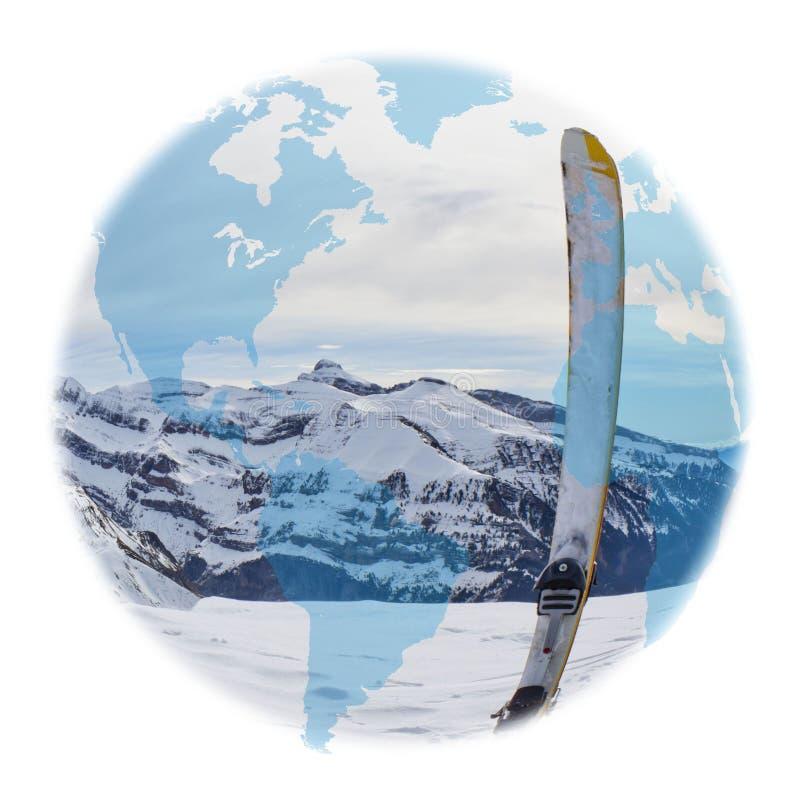 Amerika-Kugel über einem Ski im Hoch lizenzfreie stockfotografie
