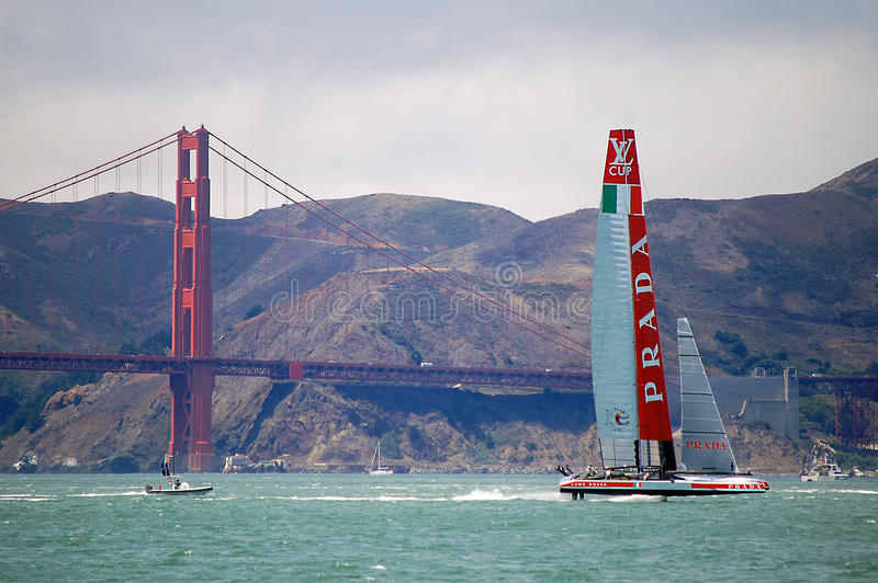 Amerika-Schalen-Segelboot-Rennen stockfotografie