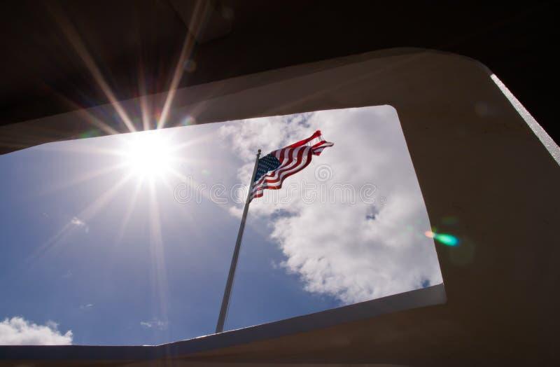 Amerikaanse die Vlag van het Gedenkteken van USS wordt bekeken Arizona stock foto
