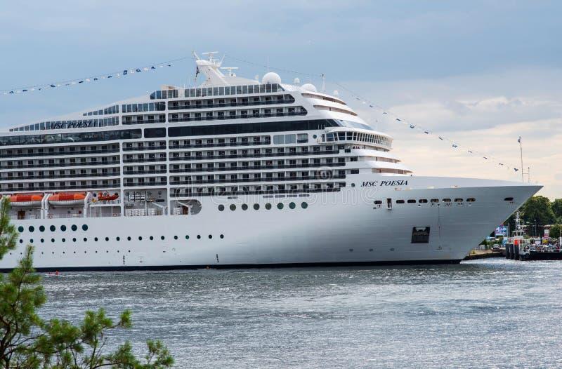 Amerikaanse het schipdoctorandus in de exacte wetenschappen Poesia van de luxecruise royalty-vrije stock afbeeldingen