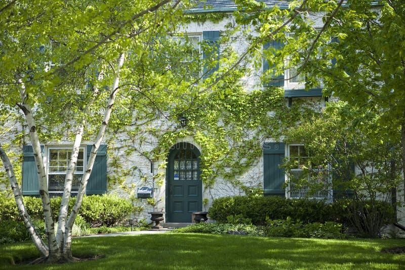 Amerikaanse huis en tuin. royalty-vrije stock foto