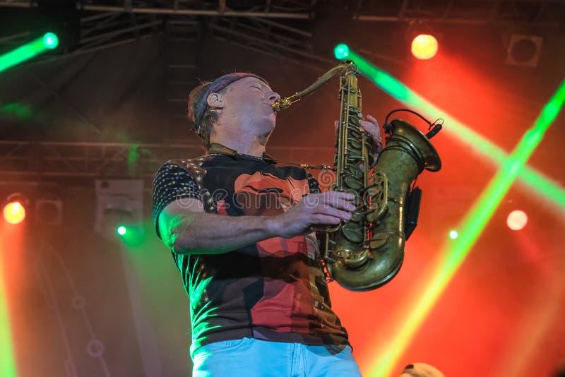 Amerikaanse jazzsaxofonist Bill Evans levend in Nisville Jazz Festival, 13 Augustus 2016 stock afbeelding