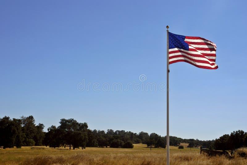 Amerikaanse Lan van de Vlag & van Californië royalty-vrije stock fotografie