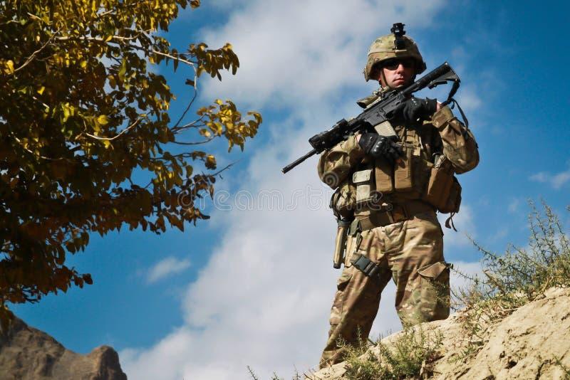 Amerikaanse militair op patrouille in Afghanistan royalty-vrije stock foto