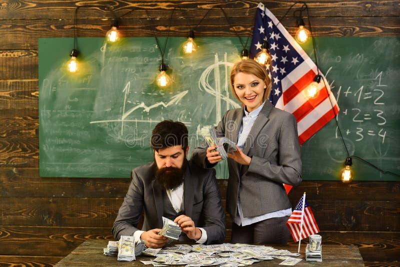 Amerikaanse onderwijshervorming op school in 4 juli Onafhankelijkheidsdag van de V.S. Inkomen planning van het beleid van de begr stock fotografie