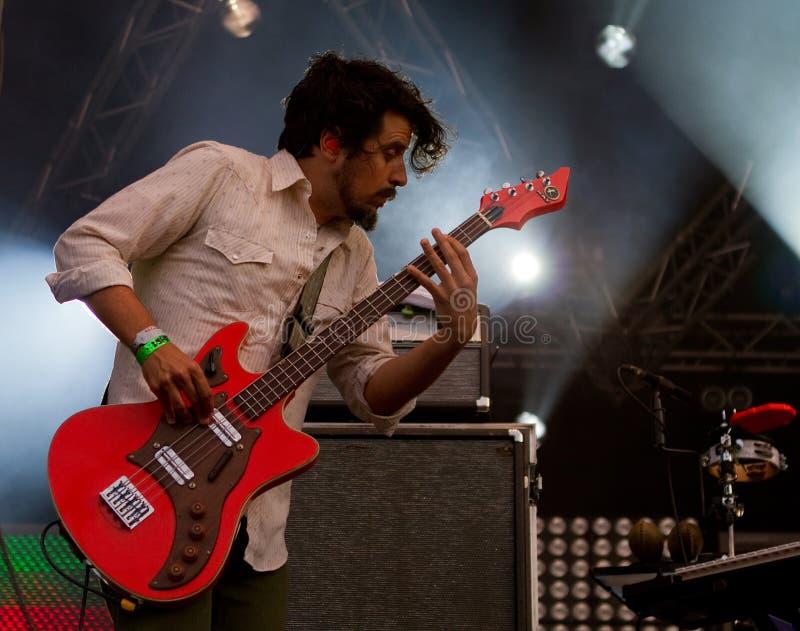 Amerikaanse rockband Gebroken Klokken stock foto's