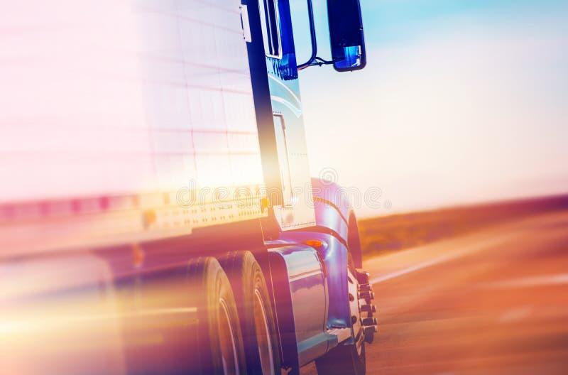 Amerikaanse semi vrachtwagen stock afbeelding