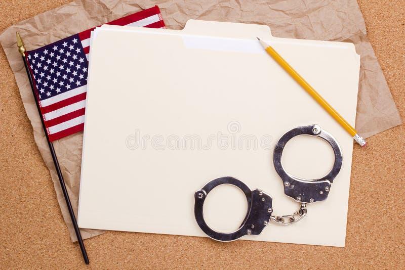 Amerikaanse Vlag en Handcuffs stock foto's