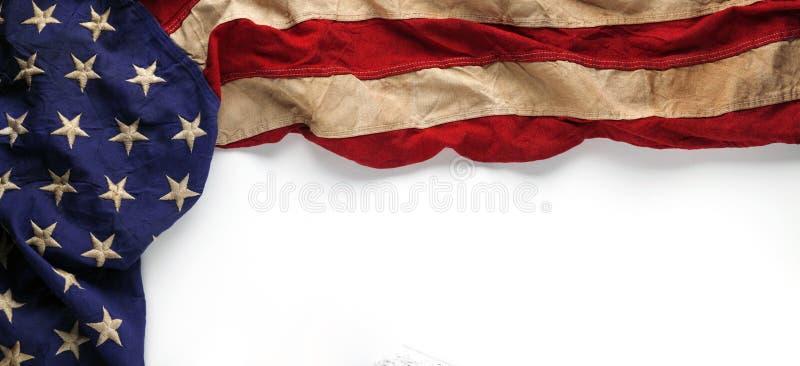 Amerikaanse vlag voor Herdenkingsdag of van de Veteraan` s dag achtergrond stock illustratie