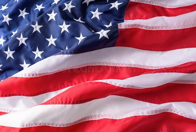 Amerikaanse vlagtextuur als achtergrond Amerikaanse Vlag die in de wind golft royalty-vrije stock fotografie