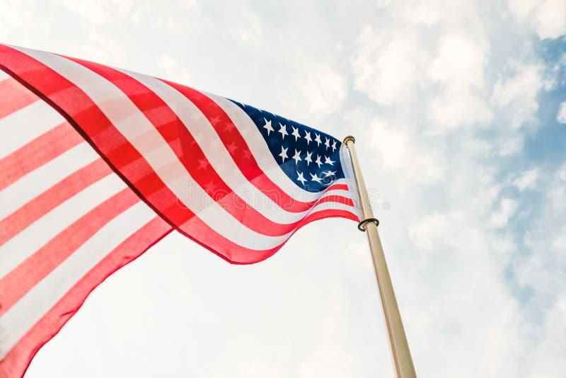 Amerikan för bakgrund för flaggaUSA frihet, vit regering royaltyfria foton