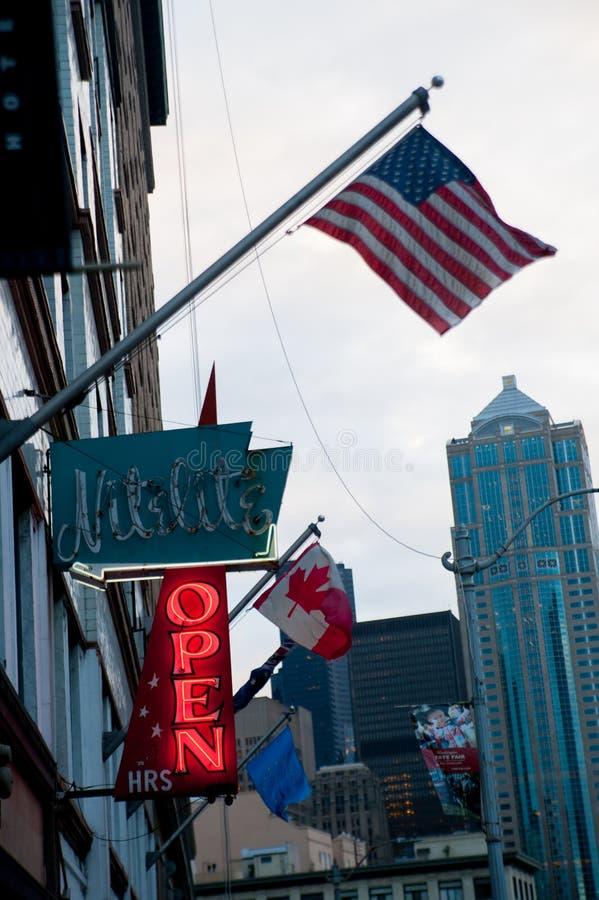 Amerikan Frag på porten runt om Portland, Amerika Portland är en stad som lokaliseras i Oregon, Förenta staterna i sommartid, int arkivbild