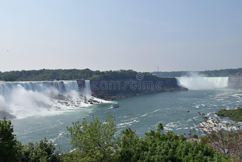 Amerikan- och hästskonedgång Niagara Falls Ontario Kanada arkivbilder