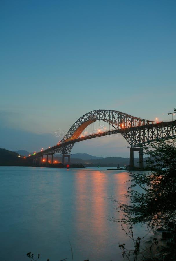Amerikanische Brücke Transportes in Panama schloss Süden- und Nord-Americ an stockbild
