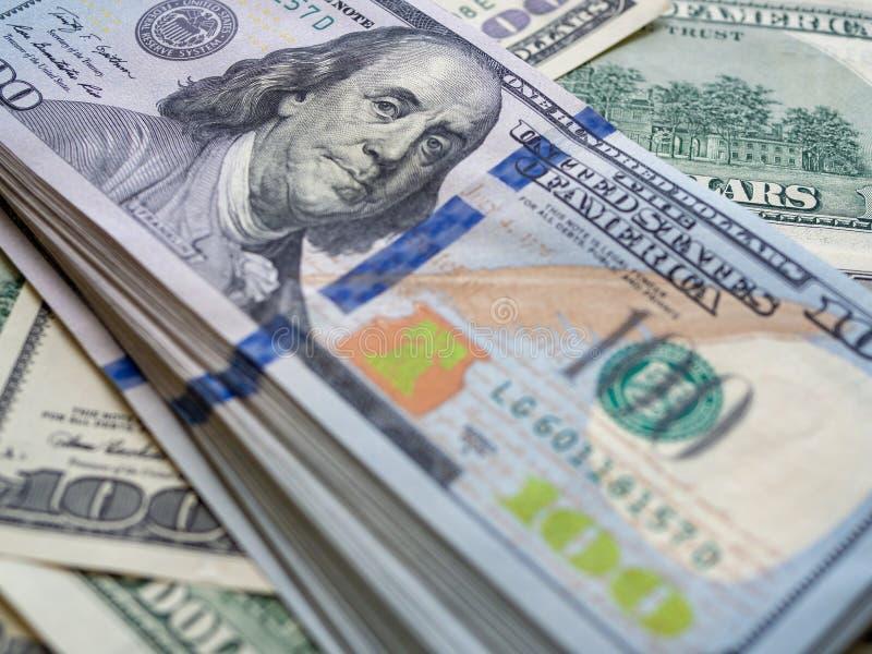 Amerikanische Dollarbanknote der Nahaufnahme Hundert Dollarbanknote stockfotografie