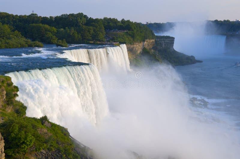 Amerikanische Fälle übersehen bei Niagara lizenzfreie stockbilder