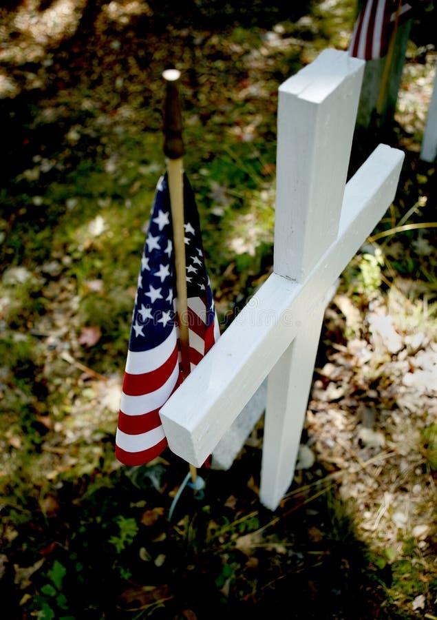 Amerikanische Flagge auf Grab lizenzfreies stockfoto
