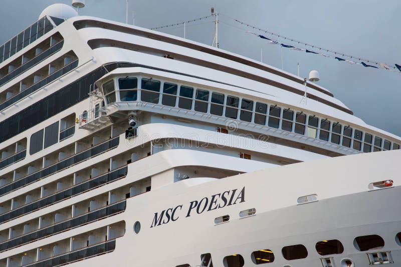 Amerikanische Luxuskreuzschiff MSC Poesia stockbilder