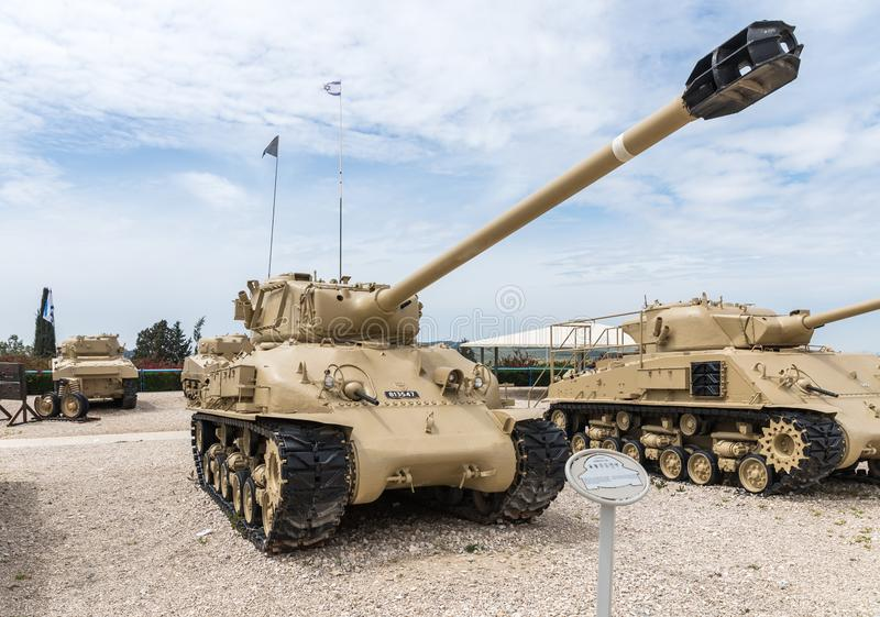 Amerikanischer Behälter Sherman T-51 ist auf dem Erinnerungsstandort nahe dem gepanzerten Korps-Museum in Latrun, Israel lizenzfreies stockfoto