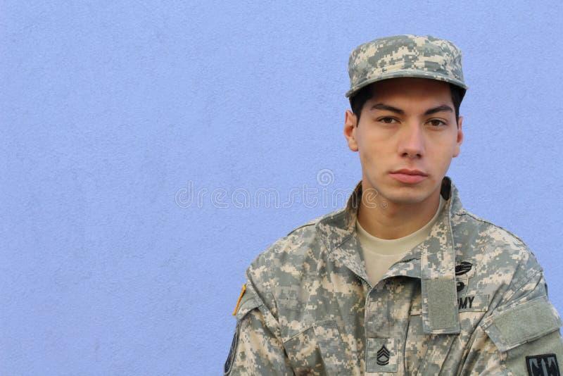 Amerikanischer Militärsoldat mit Kopienraum stockbilder