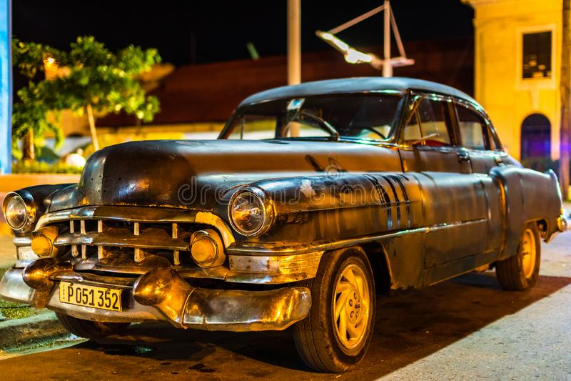 Amerikanischer Oldtimer benutzt als Taxi in Santiago de Cuba, Kuba - 2019 lizenzfreies stockbild