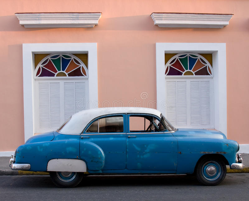 Amerikanisches Auto der Fünfzigerjahre, Trinidad, Kuba stockfotos