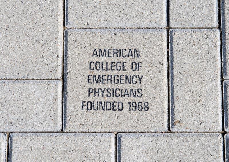 Amerikanisches College des Notarztziegelsteines, EMF-Piazza, nationales ACEP hat, Dallas, Texas Hauptsitz stockbilder