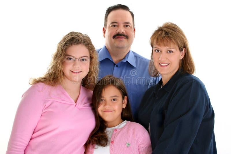 Amerikanisches Familien-Portrait mit Vater-Muttertöchtern stockfoto