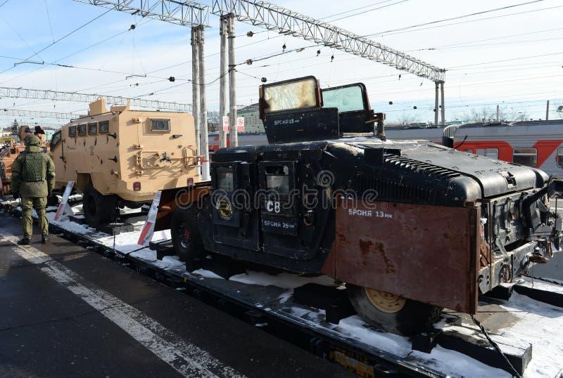Amerikanisches gepanzertes Fahrzeug 'HMMWV M1151 ', gefangen genommen von den Terroristen in Syrien lizenzfreie stockbilder