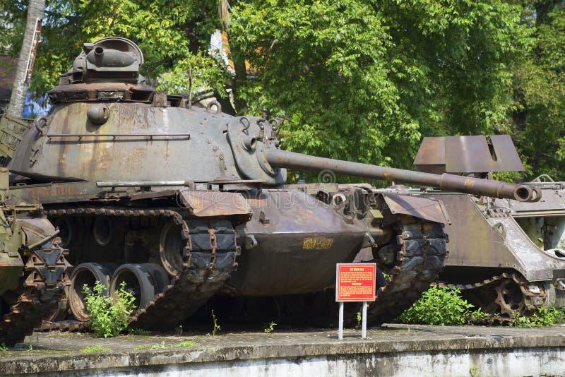 Amerikansk medelbehållare M48 Patton III i museet av tonstaden vietnam royaltyfria bilder