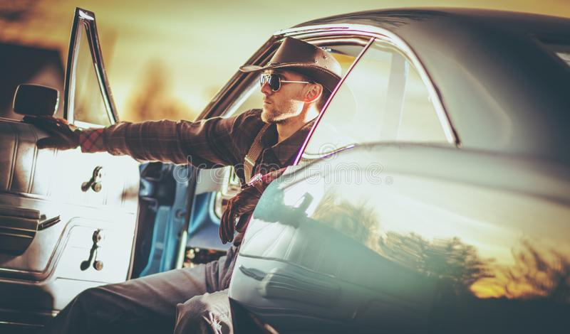 Amerikansk muskelbilchaufför royaltyfria bilder