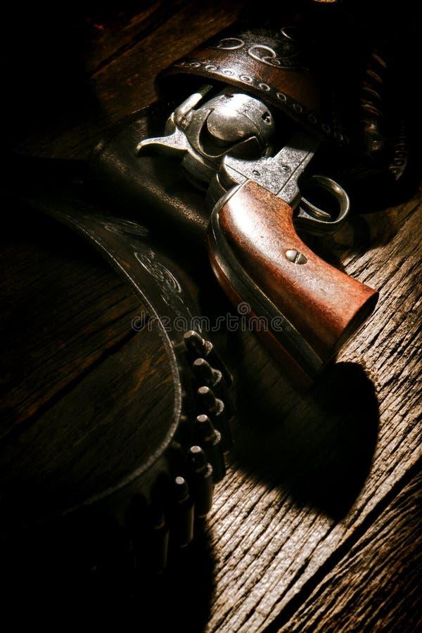 Amerikansk västra pistolhölster för kula för legendrevolvervapen fotografering för bildbyråer