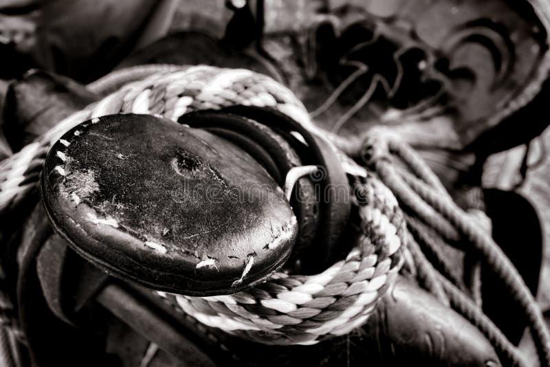Amerikansk västra rodeocowboy Old Saddle Horn fotografering för bildbyråer