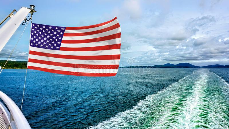 Amerikanska flagganflyg royaltyfri foto