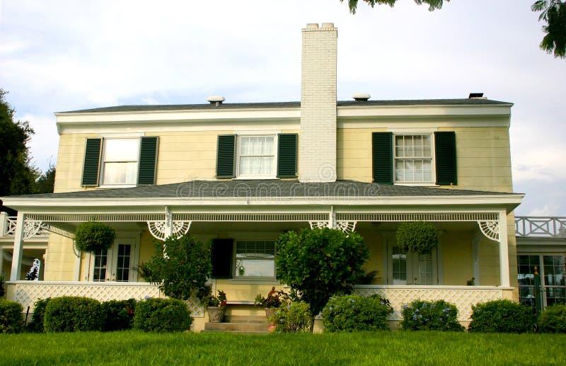 Download Amerikanskt Home Traditionellt Arkivfoto - Bild av utgångspunkt, traditionellt: 228086