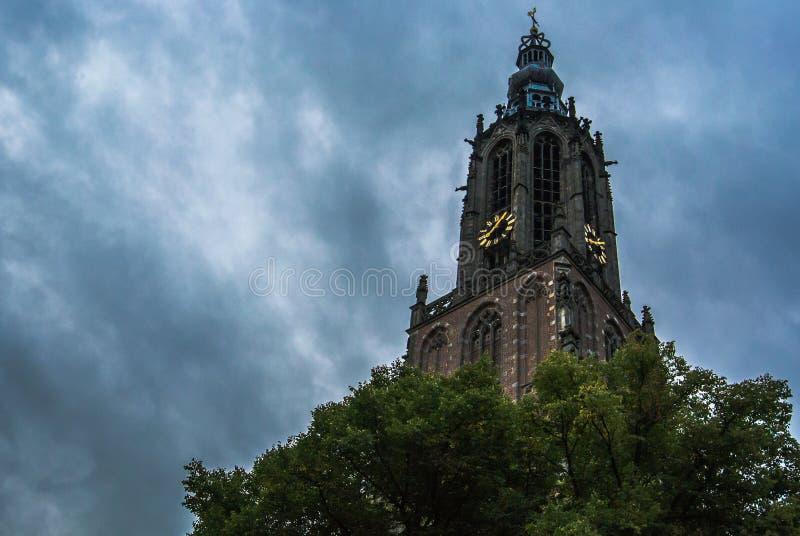 Amersfoort-Kirche u. x28; Onze Lieve Vrouwetoren u. x29; lizenzfreies stockbild