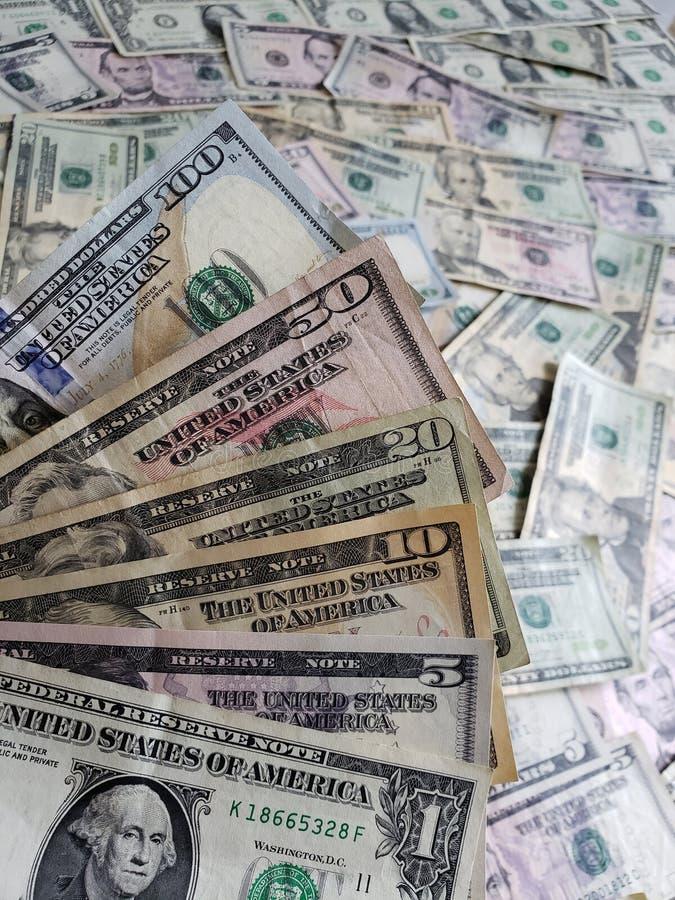 Amerykańscy dolary banknotów różni wyznania, tło i tekstura, obrazy royalty free